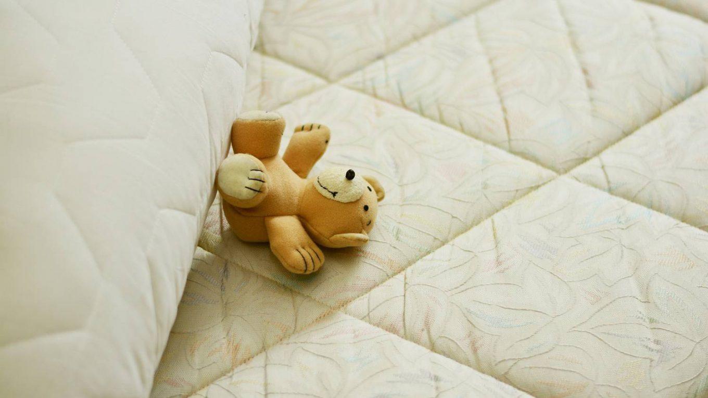 Jaki materac do łóżeczka?